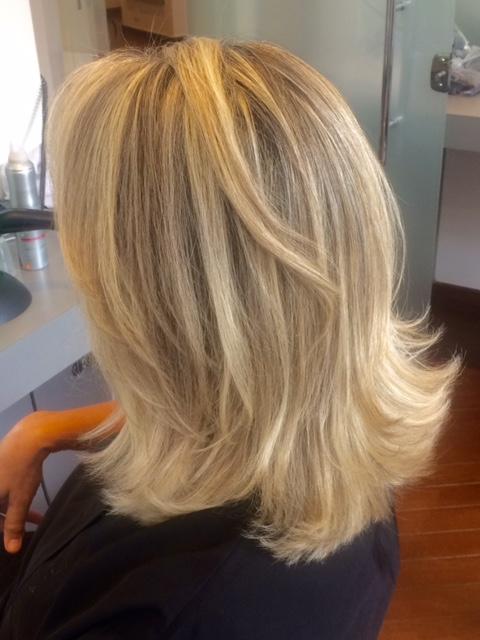 Nem mais, nem menos: o jeito ideal de fazer luzes no cabelo